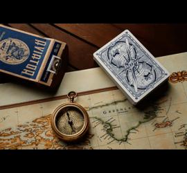 Alza el vuelo con el fantástico diseño de esta baraja de colección disponible en magia estudio