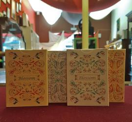 Blossom, baraja de colección disponible en Magia Estudio